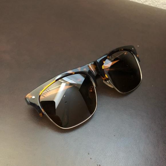 ae2bc76c47 9Five J s Tortoise Sunglasses. M 5bf1e511fe51518bab5e6027